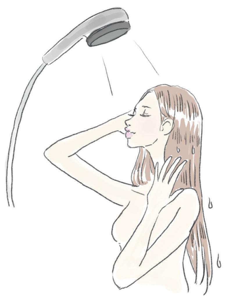 予洗いをする女性
