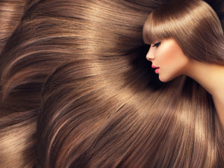 シャワーの水質で髪の毛が綺麗になった女性
